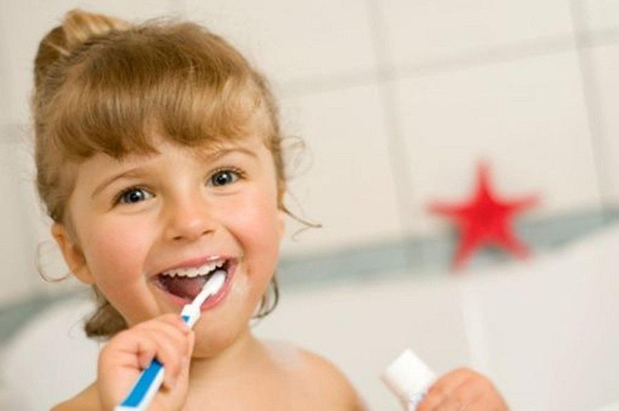 Qual è il dentifricio più adatto al tuo bambino?